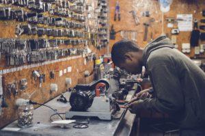 Recent Grads Outnumber Seasoned Laborers